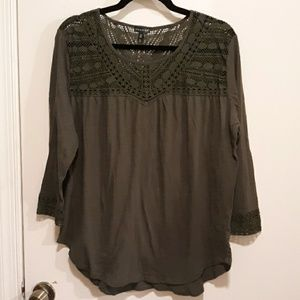 Hannah green 3/4 sleeve top